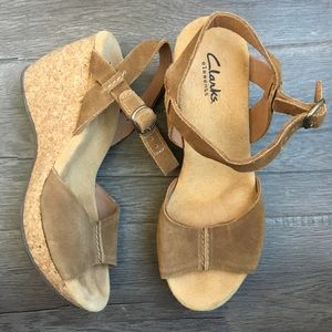 Clarks Leather Suede Tan Wedge Sandals Size 7.5M
